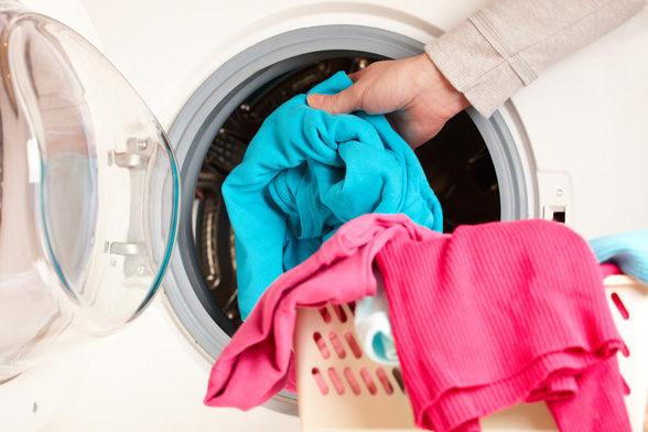 washing-clothes-2635798