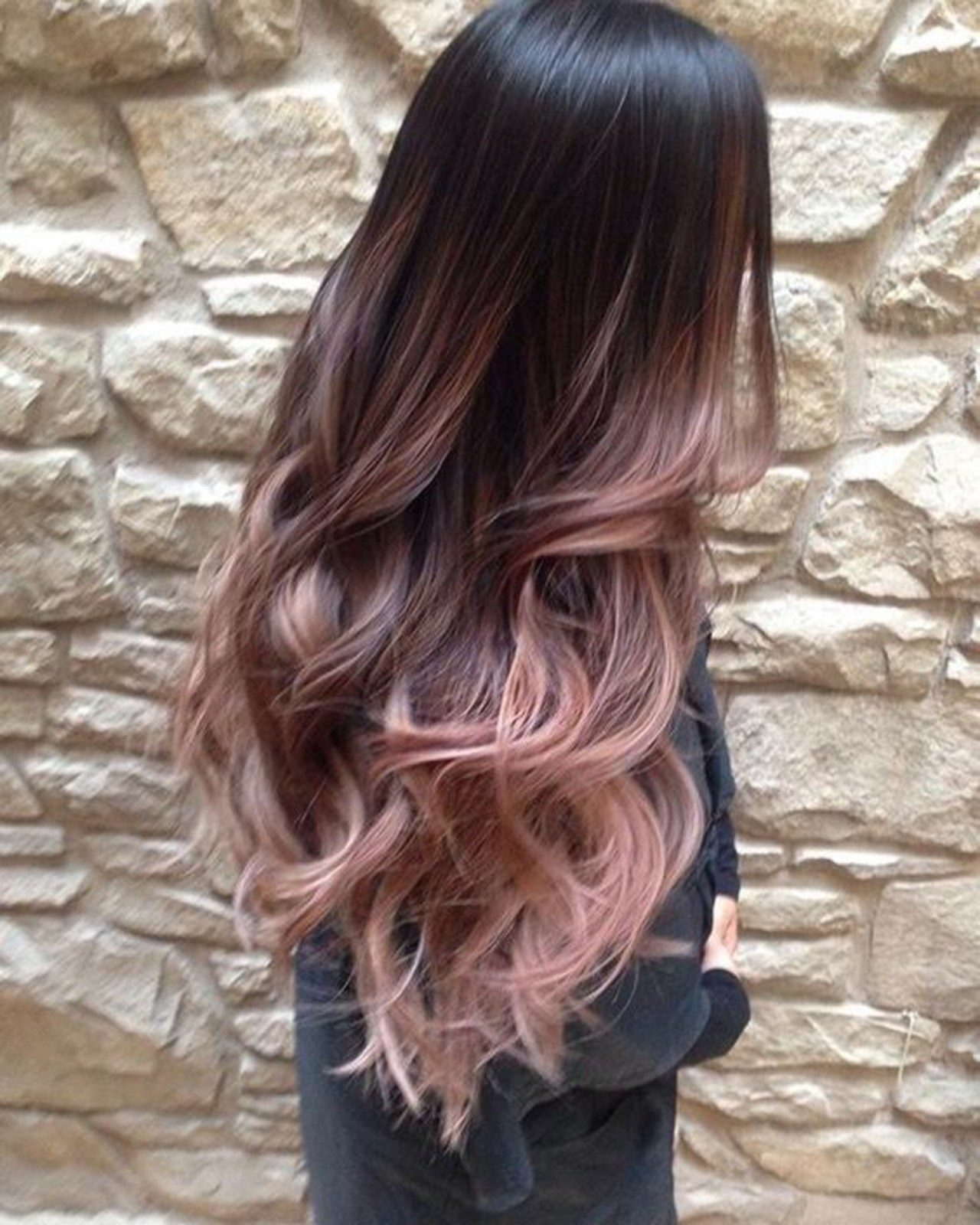 coloration-tendance-rose-gold-hair-pinterest-overtonecolor-c71746ffb143607e49d5d88540d074e02-9079270